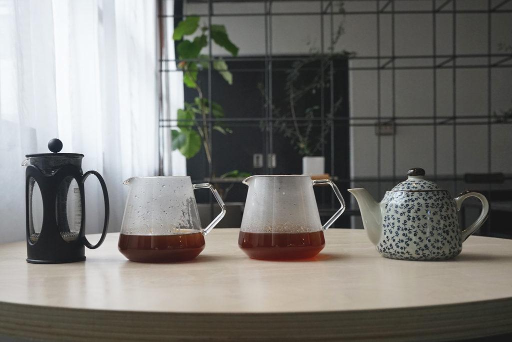 急須とフレンチプレスのコーヒーの比較