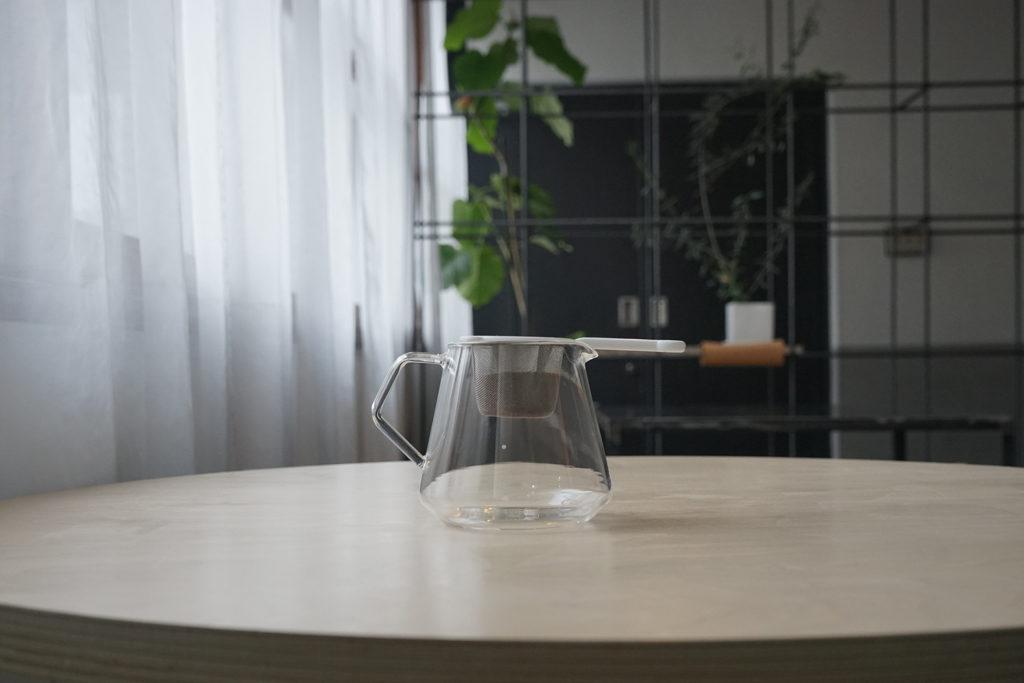 茶こしをコーヒーサーバーにセット