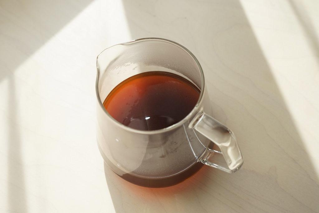 サーバーに入ったコーヒー