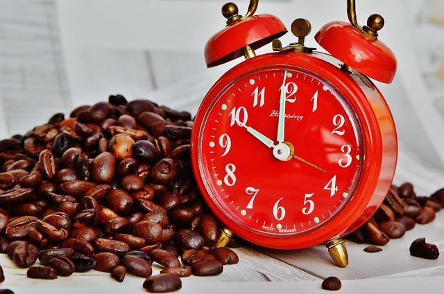 時計とコーヒー