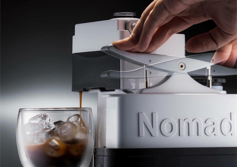Nomad Espresso Machine(ノマドエスプレッソマシン)でエスプレッソを抽出