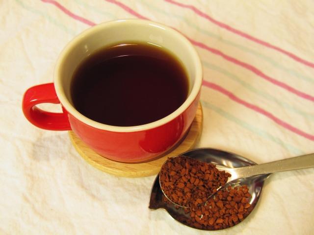 インスタントコーヒー一杯