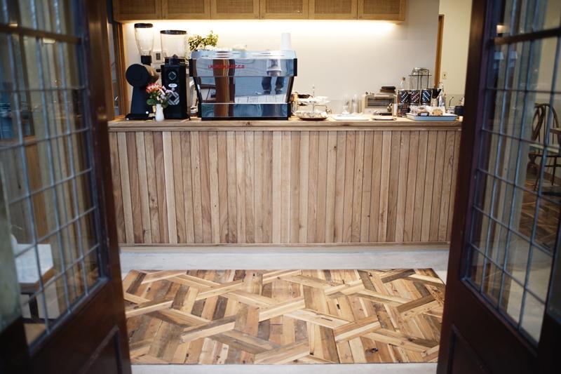 ONIBUS COFFEE(オニバスコーヒー)八雲店店内