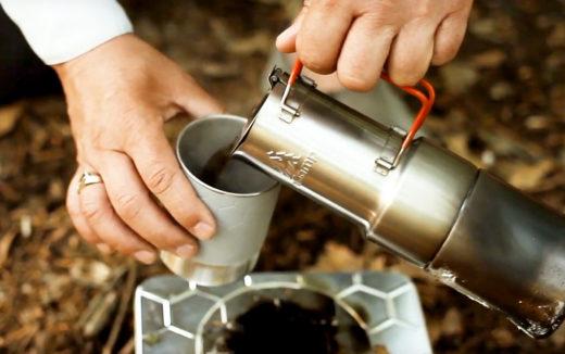 アウトドアシーンを快適にするポータブルコーヒーメーカー『nCamp カフェ』