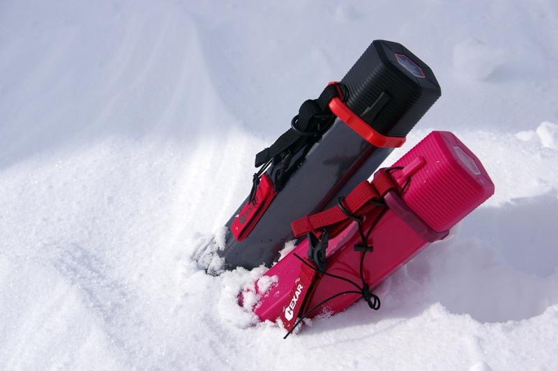 HEXAR(ヘキサー)を雪の中に入れた画像