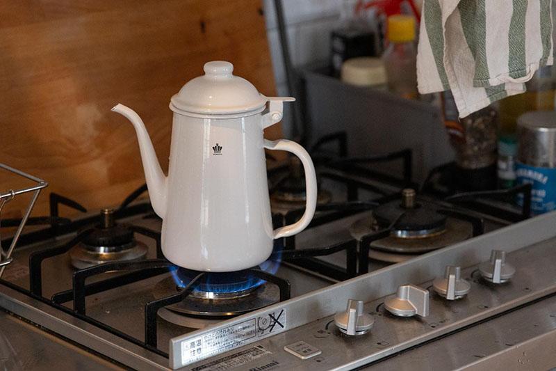 HORONA(ホロナ)ドリップポットでお湯を沸かす