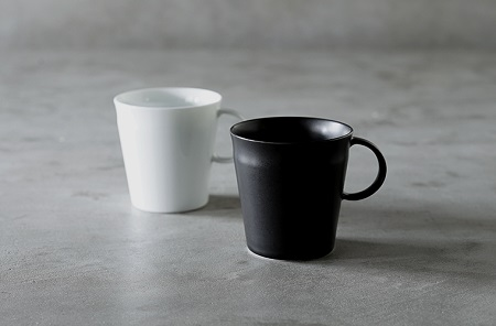 Beasty Coffee by amadanaマグカップ