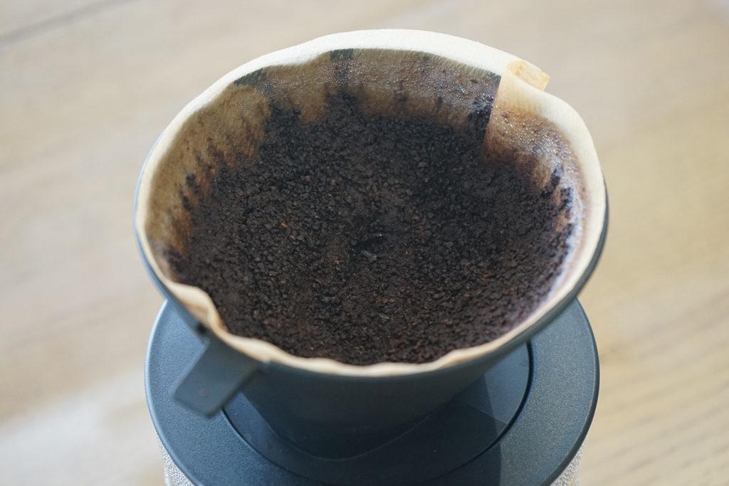 ドリッパーに残ったコーヒー粉