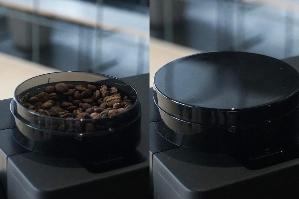 コーヒー豆が入ったホッパー