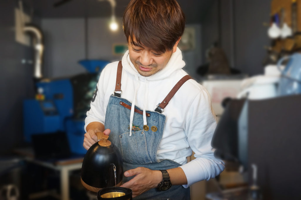SKY BLUE COFFEE ROASTERS矢野さんによるドリップ