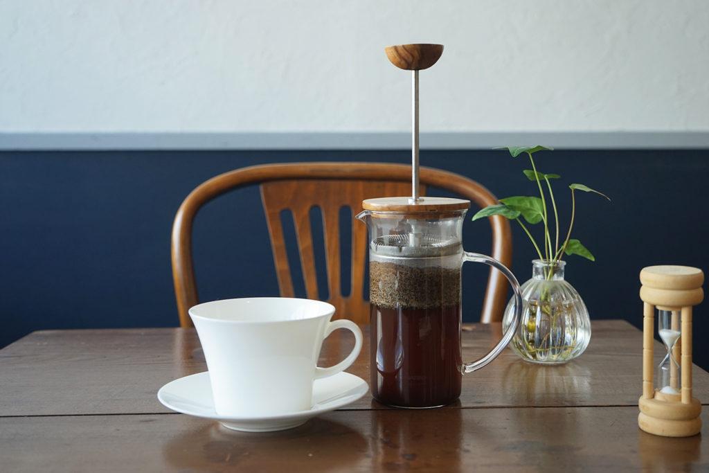 リトルフォートコーヒーのフレンチプレスで淹れたコーヒー