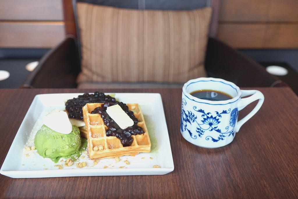 マルミコーヒースタンドナカジマパークの1月のワッフルとコーヒー